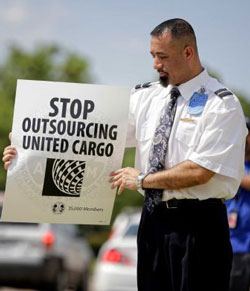 United Workers Protest Plan to Outsource Jobs at IAH